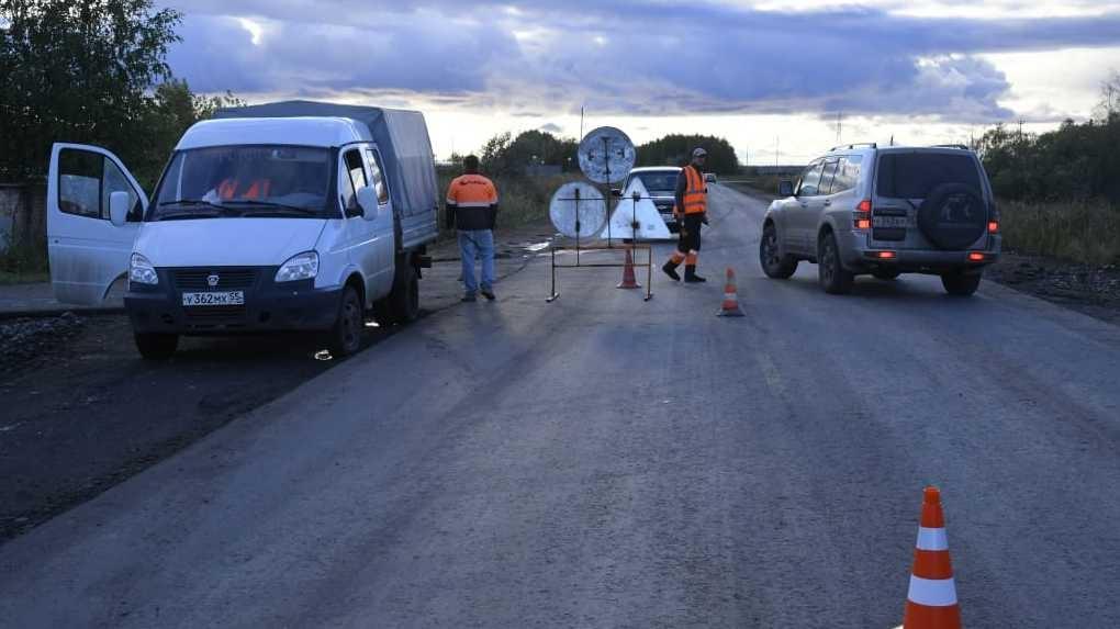 В Исилькульском районе отремонтировали дорогу. Качество проверил лично губернатор