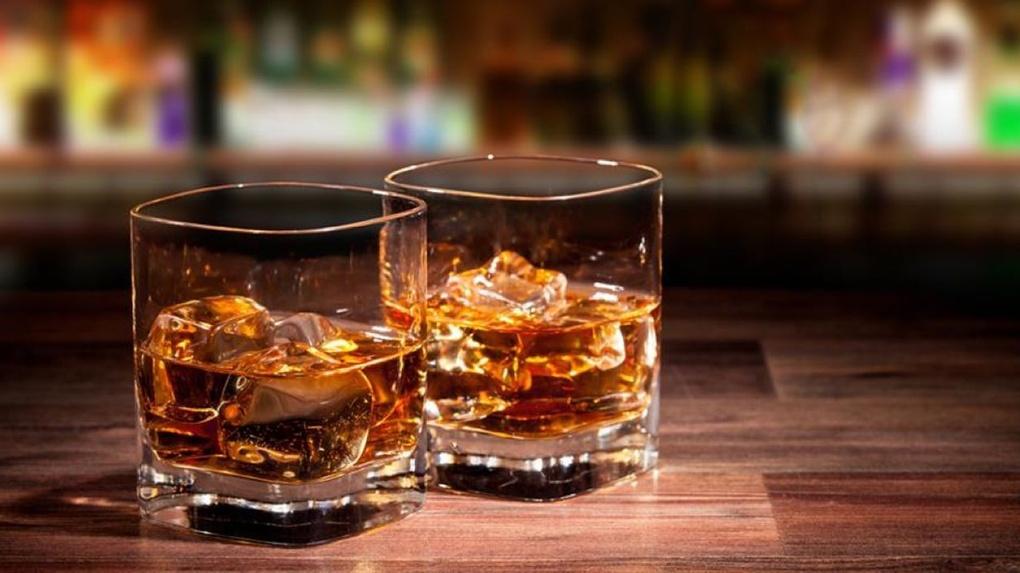 Омский Роспотребнадзор требует заблокировать сайт с элитным алкоголем за 130 рублей