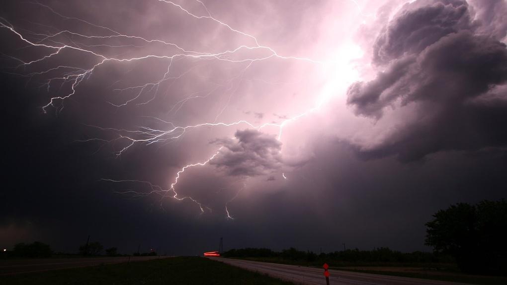 В Омске объявили серьезное штормовое предупреждение