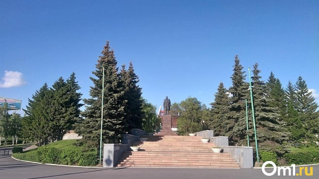 Леониду Полежаеву запретили строить храм на Ленинской горке
