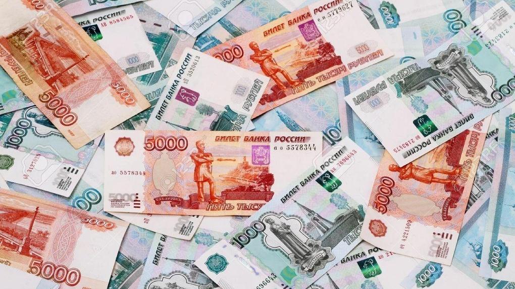 Медведев посоветовал хранить сбережения в рублях