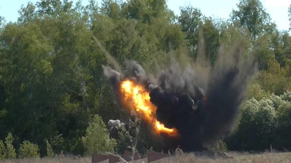 На окраине Омска взорвали 22 боеприпаса