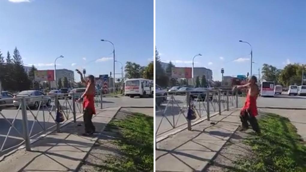 «Дедуля на связи с космосом»: экстравагантного танцора из новосибирского метро заметили в Бердске