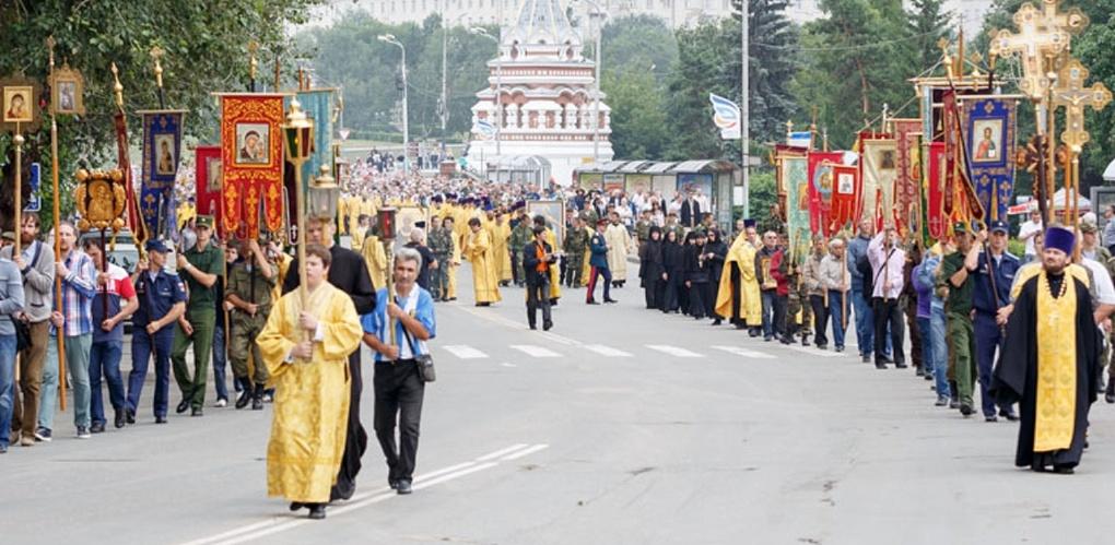 Из-за крестного хода в центре Омска перекроют движение