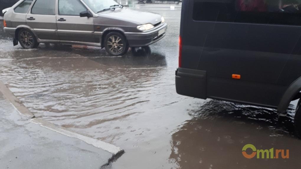 Омский Минстрой не знает причину наводнений на проспекте Маркса