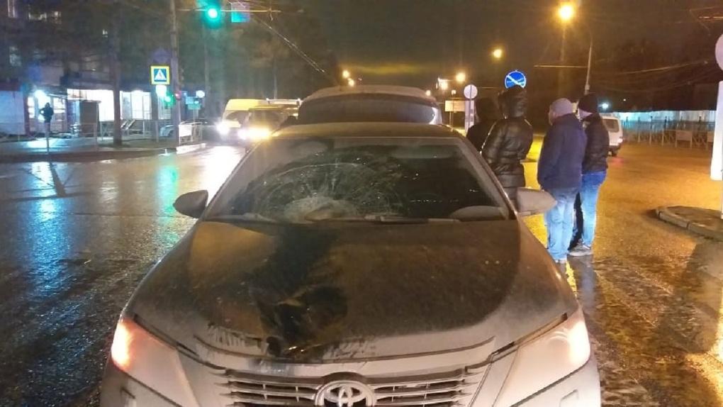 Седан насмерть сбил пенсионера на перекрёстке в Новосибирске
