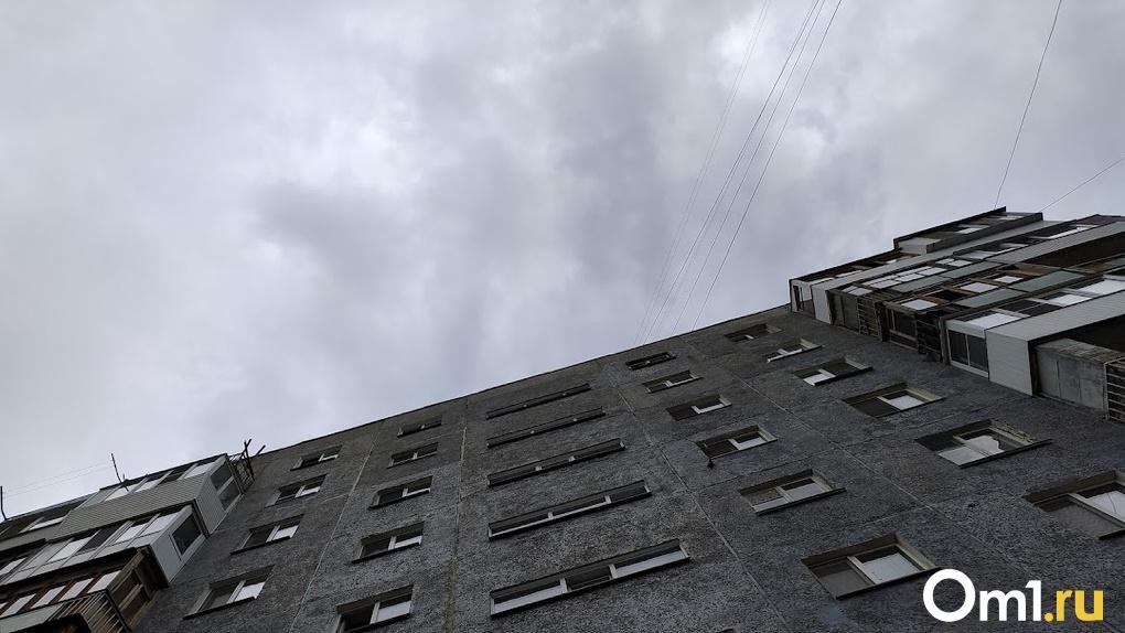 Упали с 19-го этажа. В Москве под окнами дома нашли тела 34-летней женщины и её детей