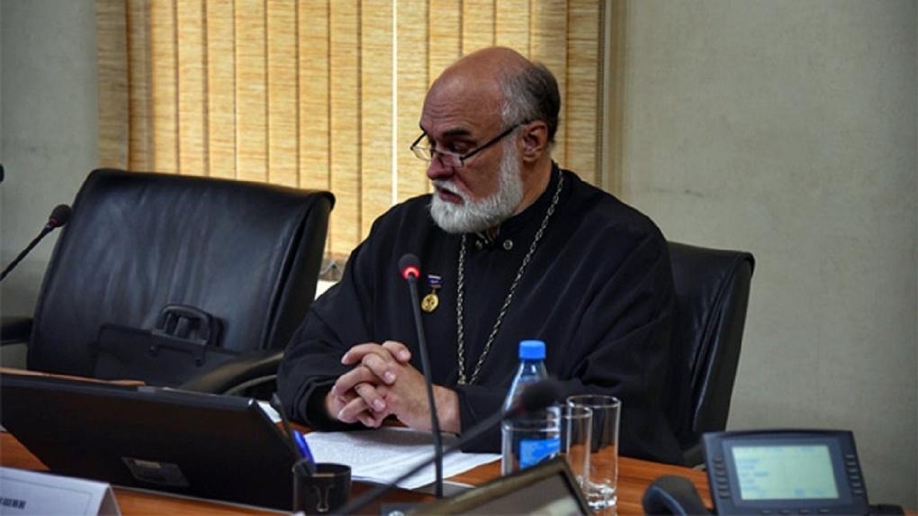 Находят жидо-масонский чип: новосибирский священник предупредил об опасности «некрокоммунистов»