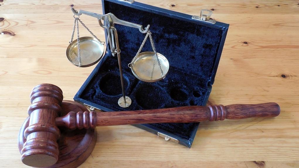 В Новосибирске адвокат предстанет перед судом за мошенничество