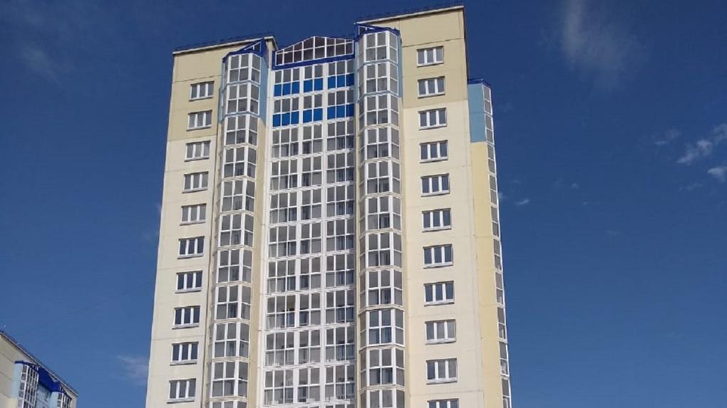 В Омске сдали «свечку», квартиры в которой закончились ещё в прошлом году