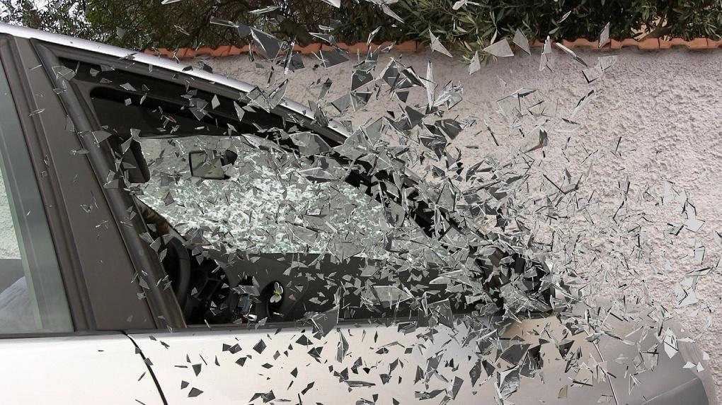В Омске четыре пассажира маршрутки пострадали в ДТП с грузовиком
