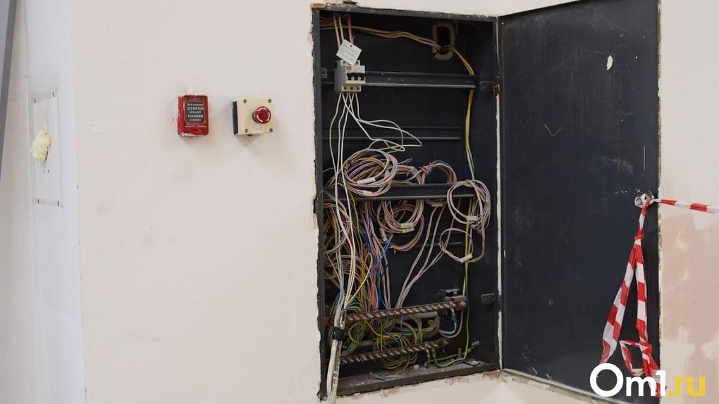 В российских квартирах хотят принудительно проверять проводку, чтобы избежать пожаров
