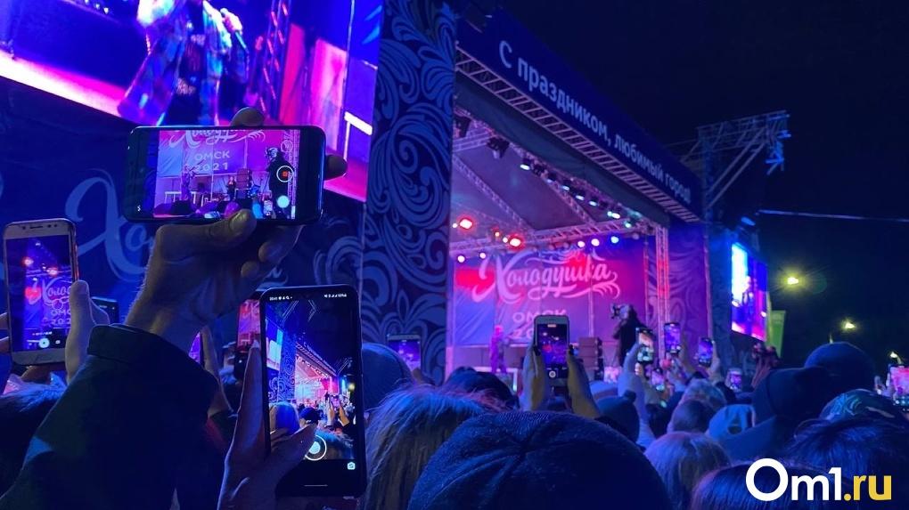 «Реальные пацаны» и Artik & Asti на одной сцене: как в Омске прошёл первый концерт в честь Дня города