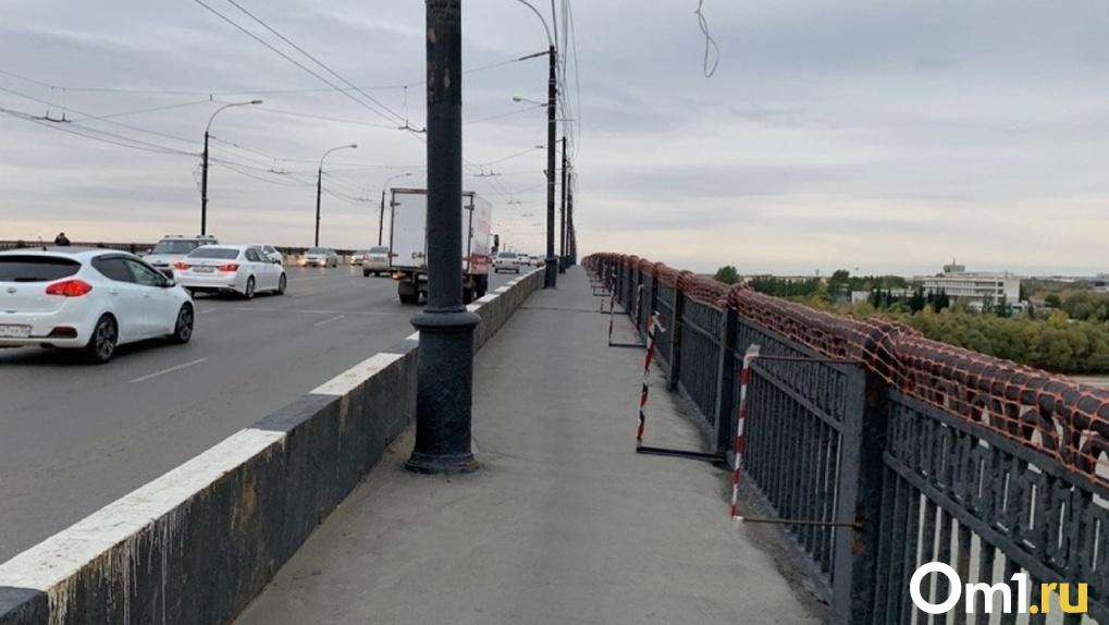 В Омске хотели сделать пешеходным Ленинградский мост, забрав полосу у проезжей части