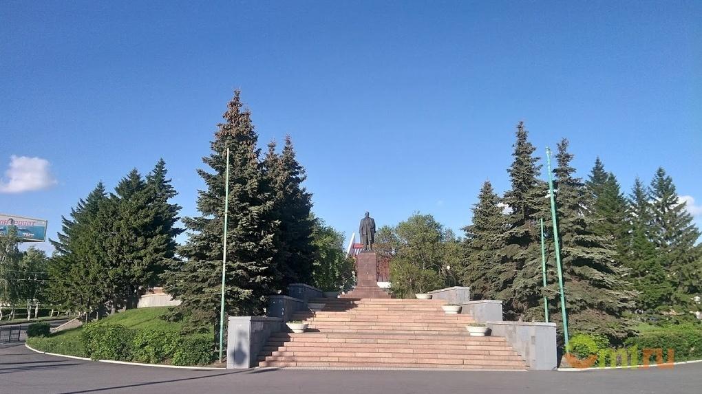 Ёлки съели Ленина: как омские архитекторы обсуждали Ильинский собор и к чему это привело