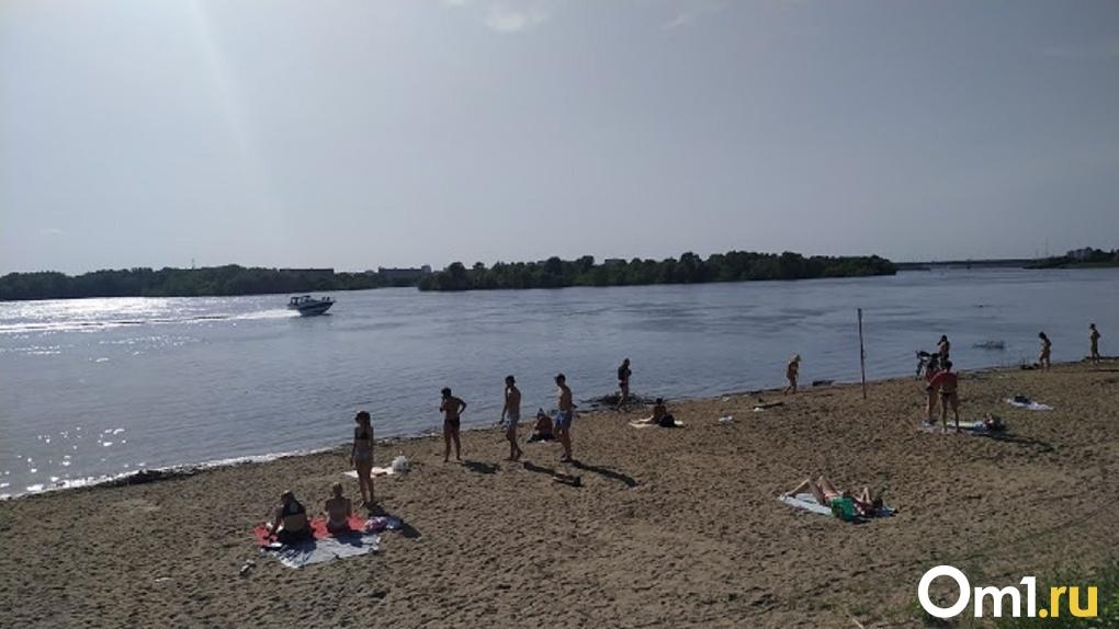 «Чтоб спасти». Омичи на пляжах тайком присматривают за детьми безответственных родителей