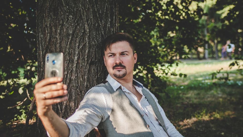 Омский актёр Иван Притуляк: «Потенциальные разносчики заразы не могут получить больничный»