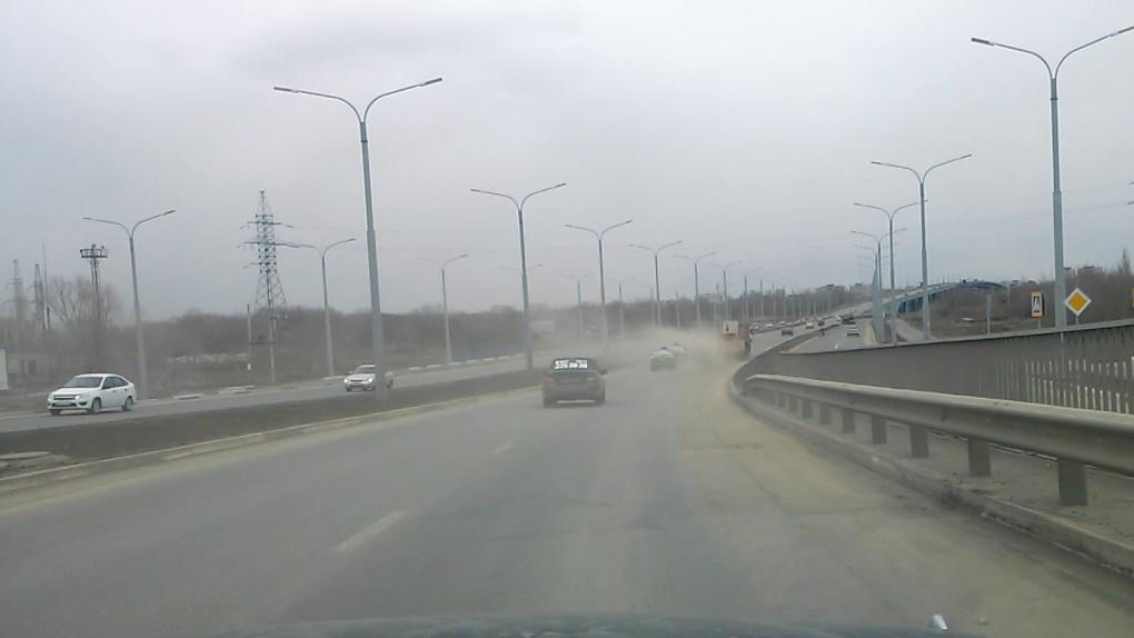 В Новосибирске объявили штормовое предупреждение из-за пыли