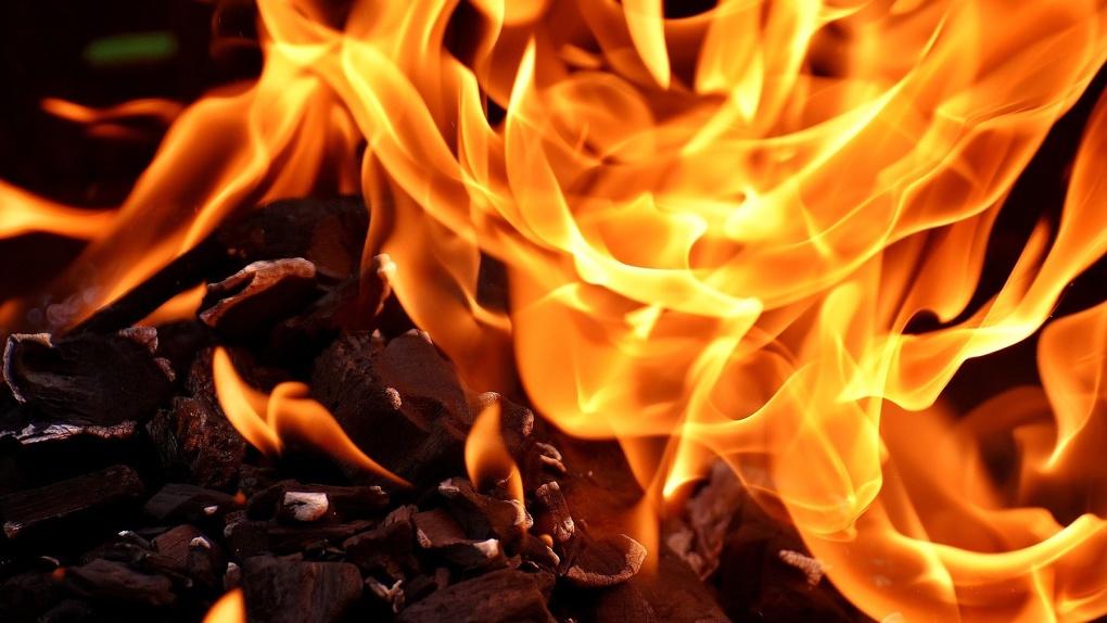 17-летний новосибирец не хотел учиться после каникул и сжёг школу