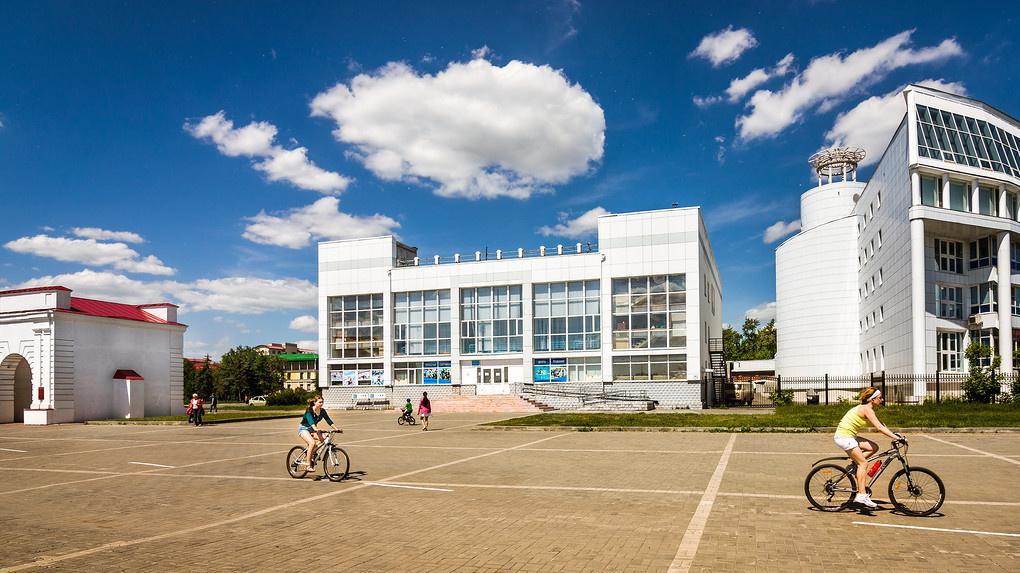 Омская прокуратура требует закрыть бассейн «Пингвин»
