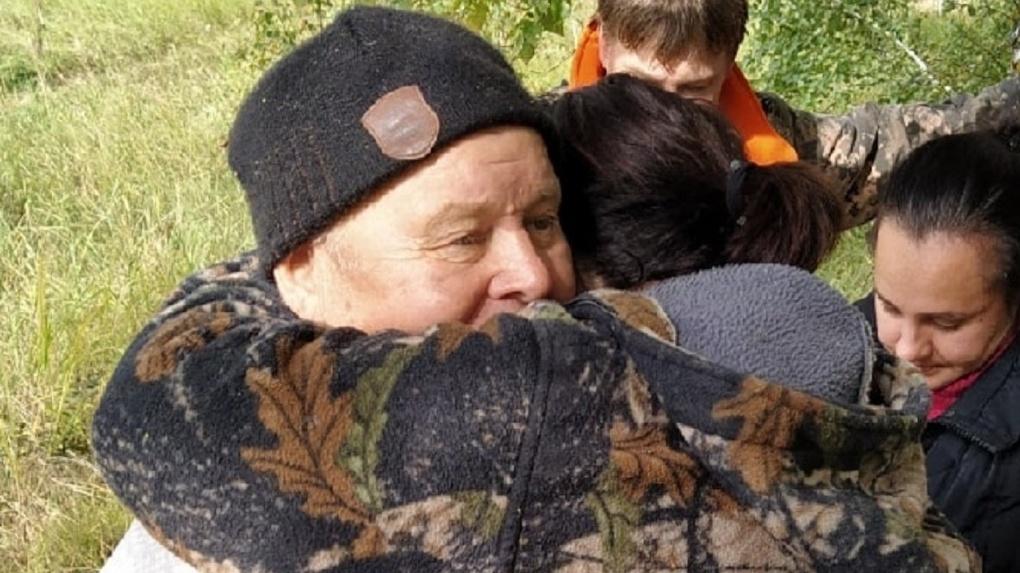 «Замёрз в лесу»: без вести пропавшего грибника-пенсионера нашли под Новосибирском
