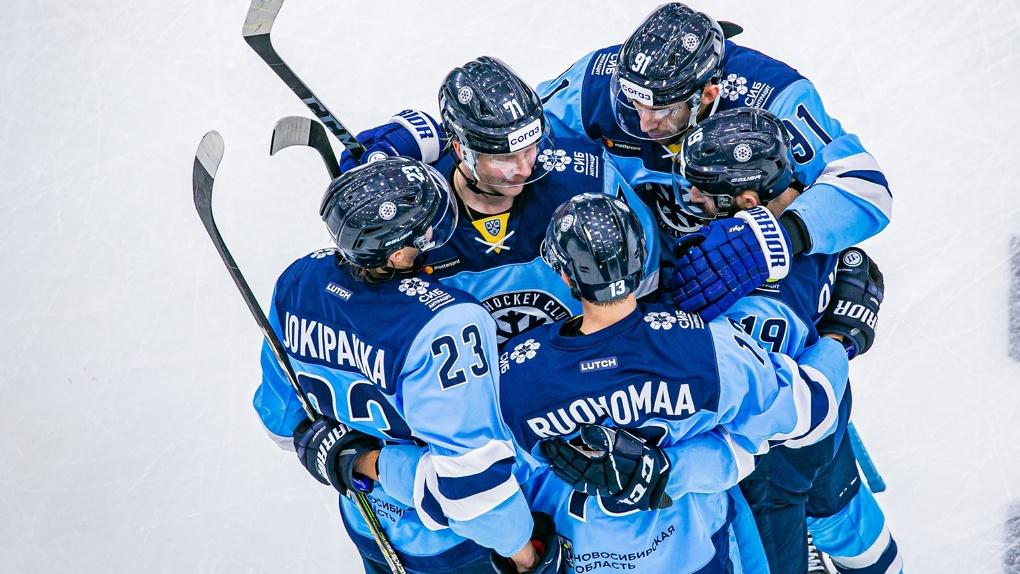 Хоккеисты «Сибири» обыграли уральский «Автоомбилист» со счётом 6:4