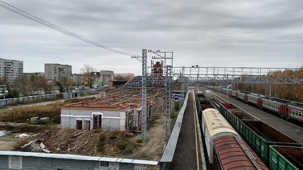 РЖД прокомментировало ситуацию о приостановке строительных работ на вокзале под Новосибирском