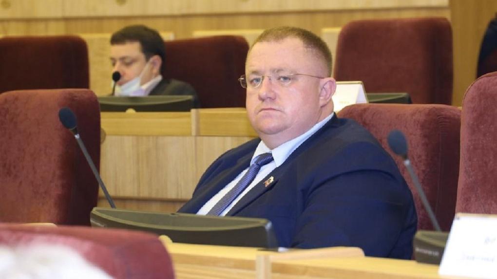Директор спорткомплекса занял место Александра Карелина в Заксобрании Новосибирской области