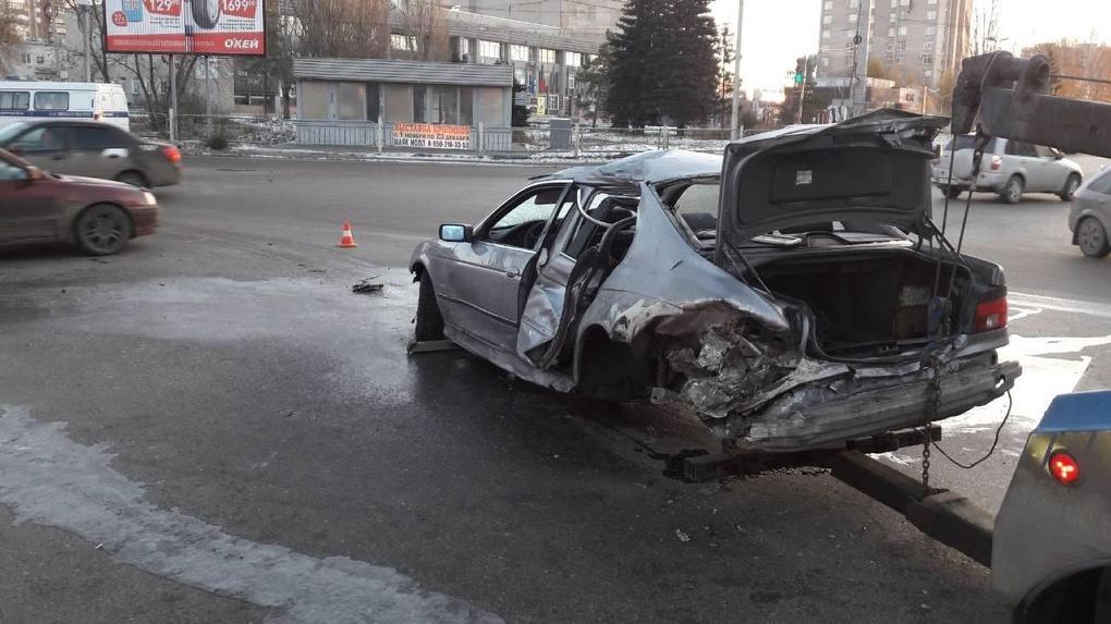 ВНефтяниках Омска пьяный водитель насмерть сбил пешехода