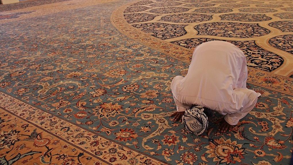 В Новосибирске полиция не пускала верующих в мечеть на молитву