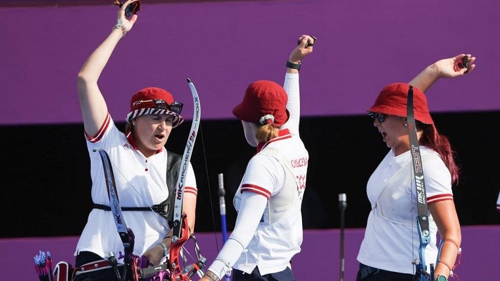 Женская сборная России по стрельбе из лука выиграла серебро Олимпиады в Токио