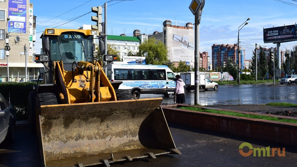 В Омске начали отмывать мосты и подземные переходы