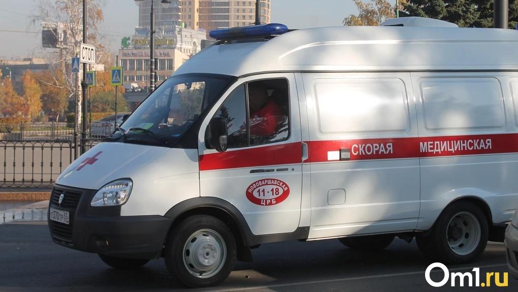 Под Омском чиновница администрации внезапно умерла прямо на рабочем месте