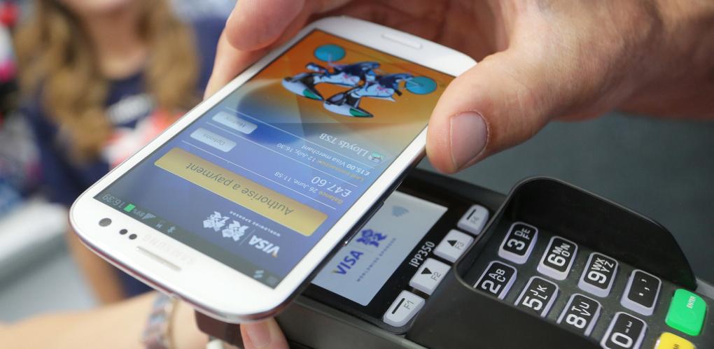 В Омске оплатой проезда со смартфона воспользовался один пассажир