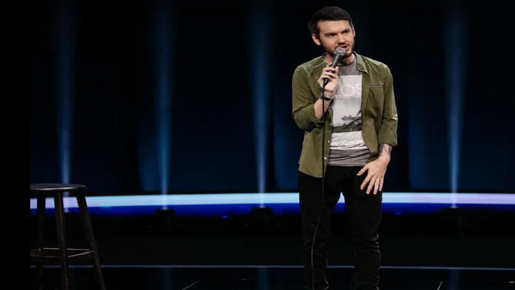 «Нужно показать себя достойно»: новосибирец Павел Старун рассказал об участии в шоу «Открытый микрофон»