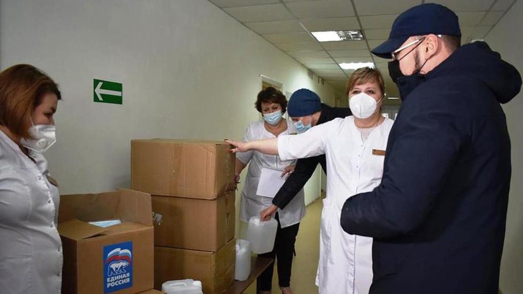 Депутаты новосибирского Заксобрания активно участвуют в Общероссийской акции «Спасибо врачам»