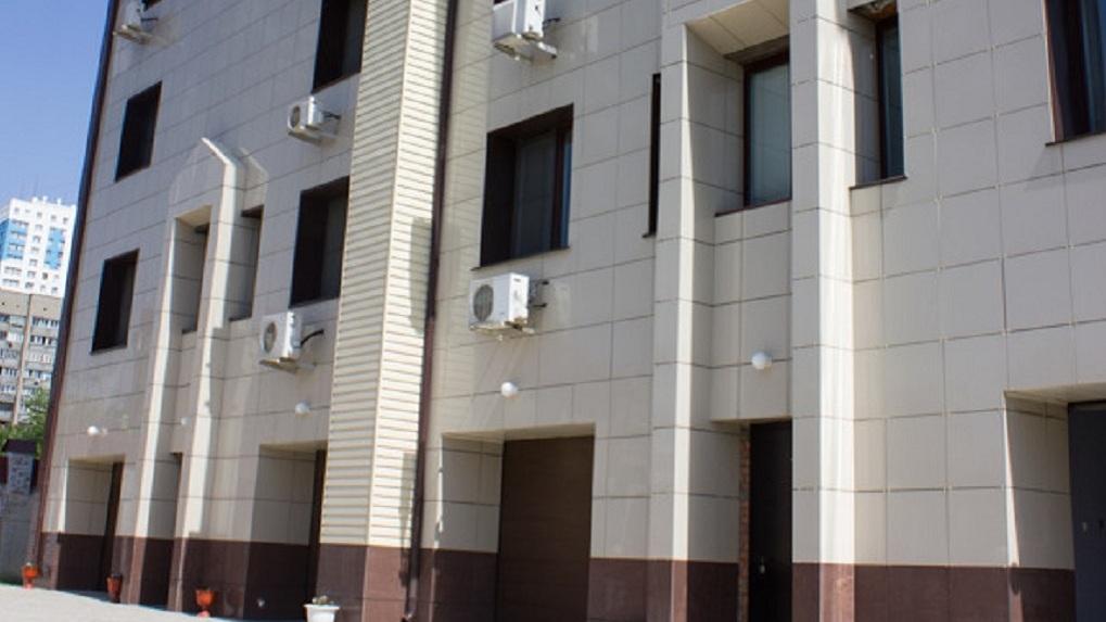 В центре Новосибирска продают элитный пятиэтажный дом за 120 миллионов рублей