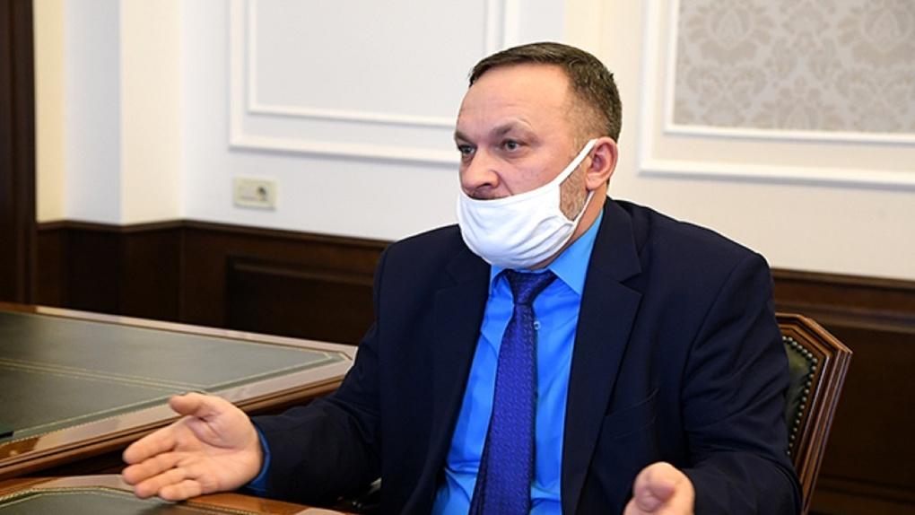 Бурков заявил, что будет жёстко контролировать работу главы Омского района Долматова