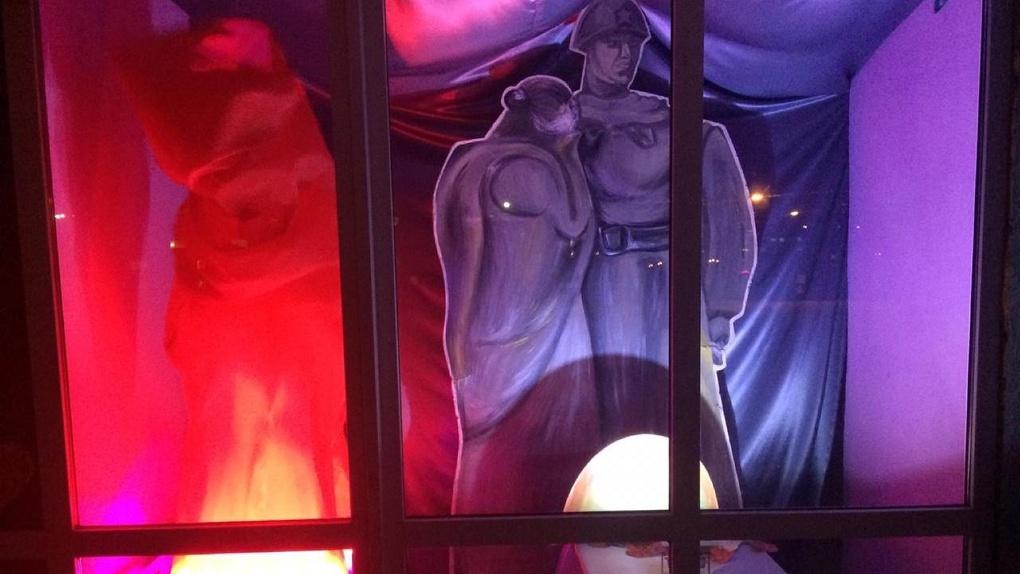 Вместо парада к 9 мая омичи принимают участие в акции «Окна Победы»