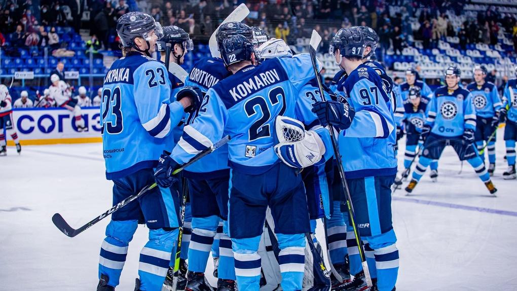 Негодование болельщиков и расторжение контрактов: кто из игроков покинул ХК «Сибирь»