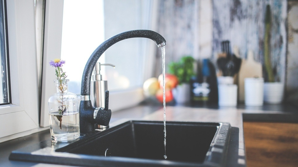 В Омске два района в понедельник останутся без воды на целый день. Публикуем список