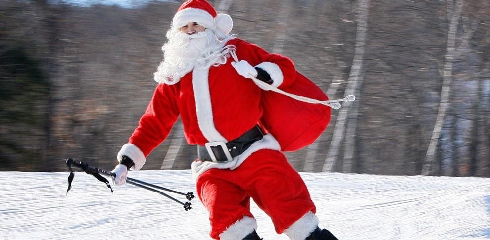 В Омске Дед Мороз раздал призы победителям лыжной гонки