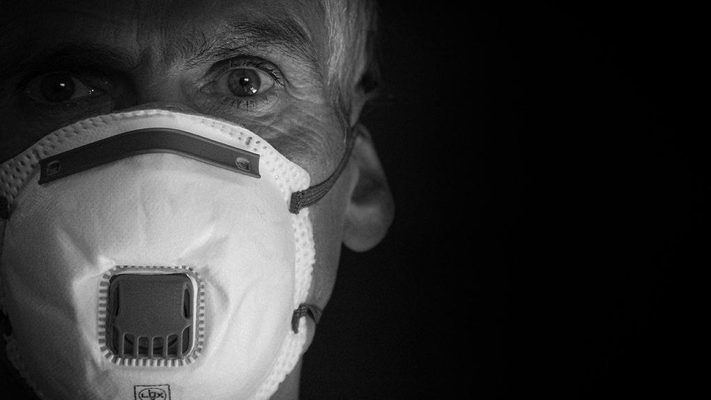 Омские работающие пенсионеры смогут продлить больничные, открытые из-за самоизоляции