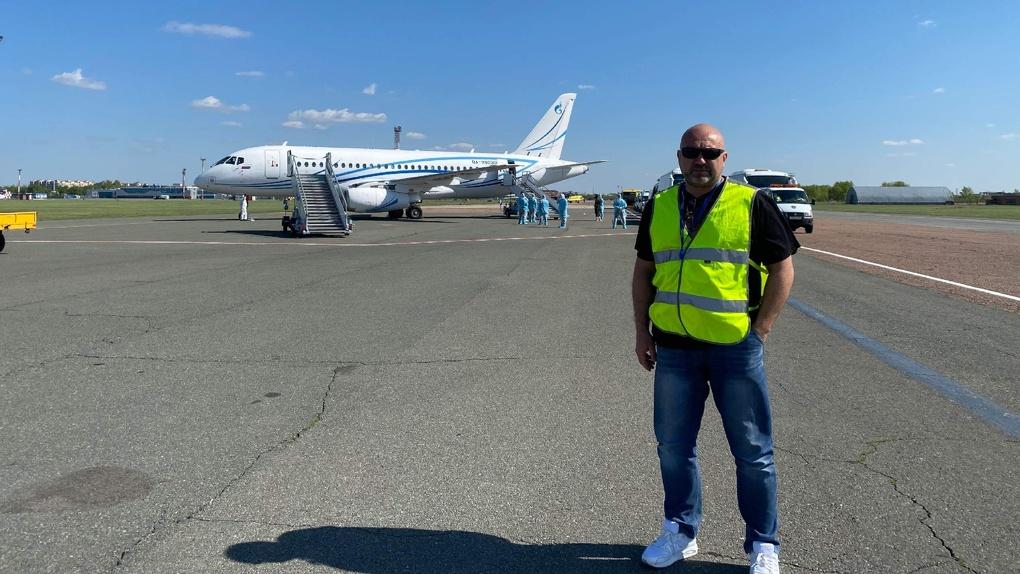 «Полёты безопасны». Директор омского аэропорта высказался об «опасном» графике работы сотрудников