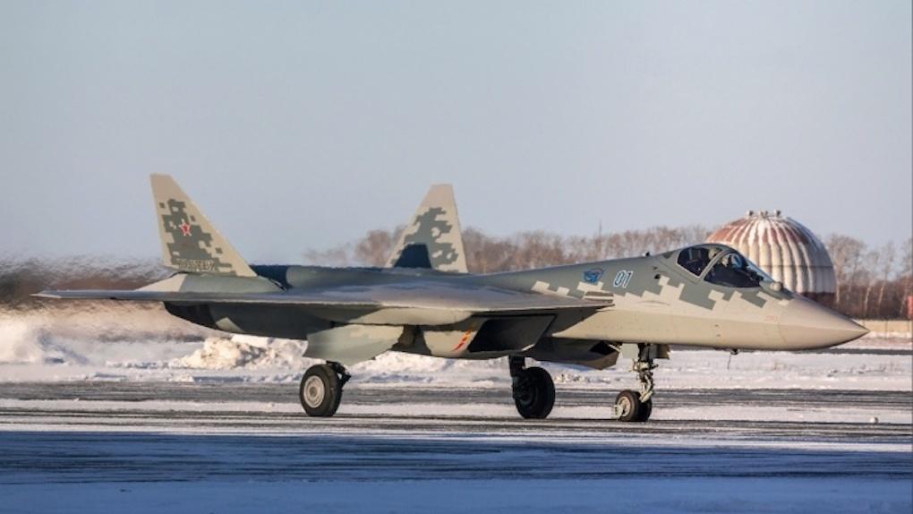 Сверхсекретный истребитель «Преступник» приземлился в новосибирском аэропорту Толмачёво