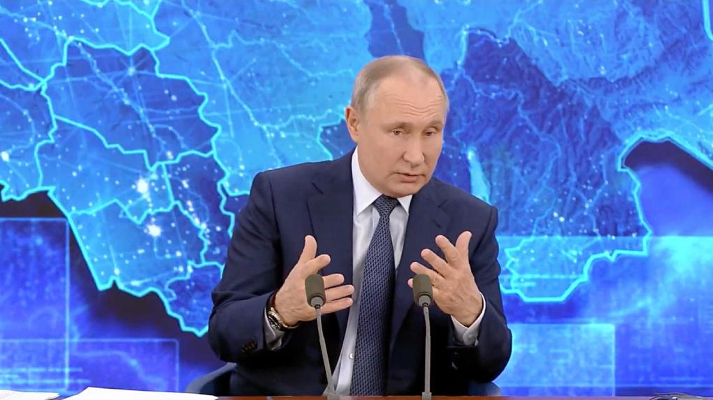 Путин признался, что не поставил новосибирскую вакцину от коронавируса