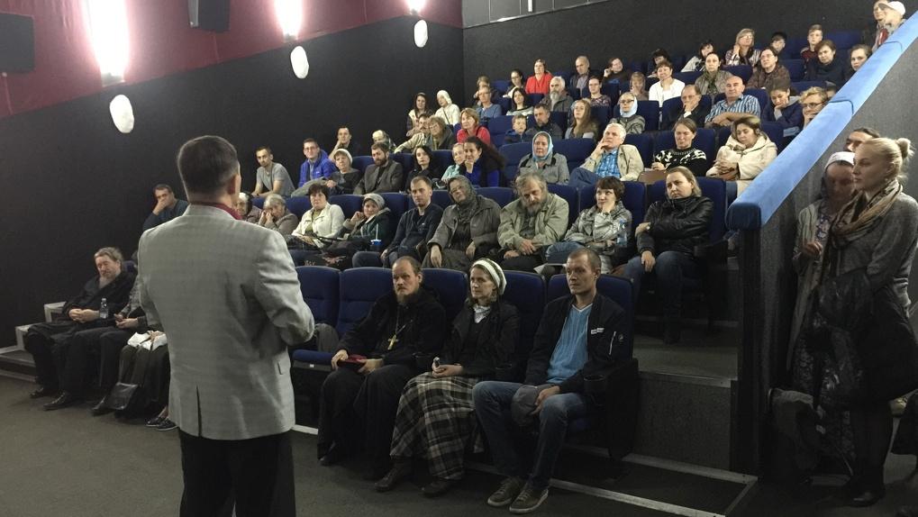 В Новосибирске закрыли популярный кинотеатр из-за коронавирусного кризиса