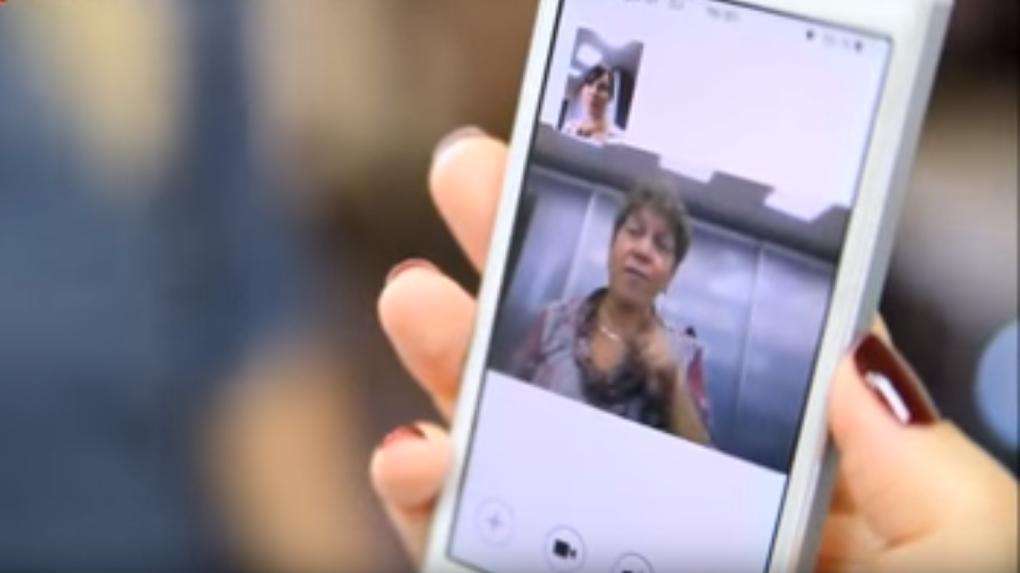Омские инвалиды по слуху смогут на языке жестов общаться с иностранцами