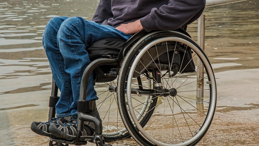 Омских врачам расскажут про «болезнь Стивена Хокинга»