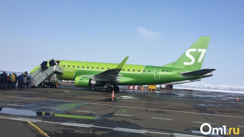 Пьяного дебошира сняли с самолёта из Хабаровска в Новосибирск